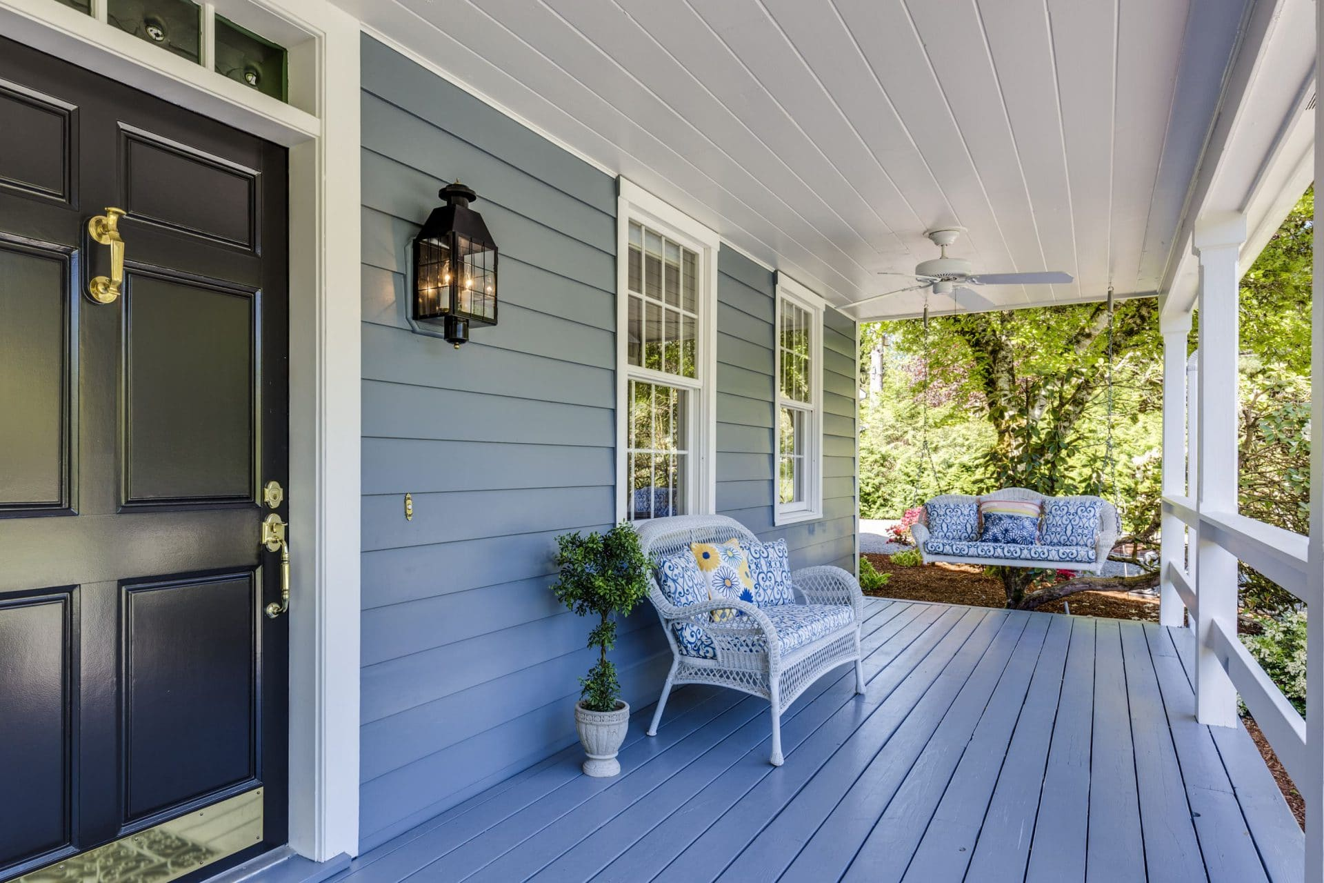 Front porch photo from local home inspection in Charlotte